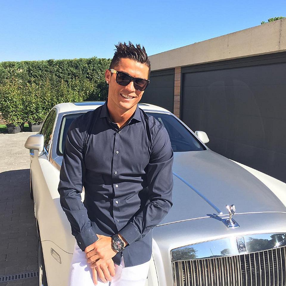Ronaldo y su RR,  Lo manejaba junto a su ex-novia Irina Sheyk -TheNewWheels