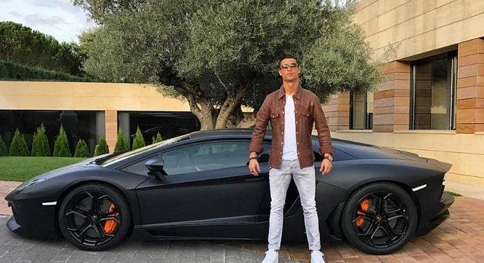 Lambo de Ronaldo - Motoroids