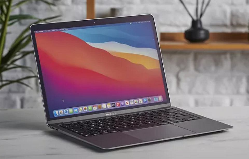 MacBook Air (M1, 2020) - Apple